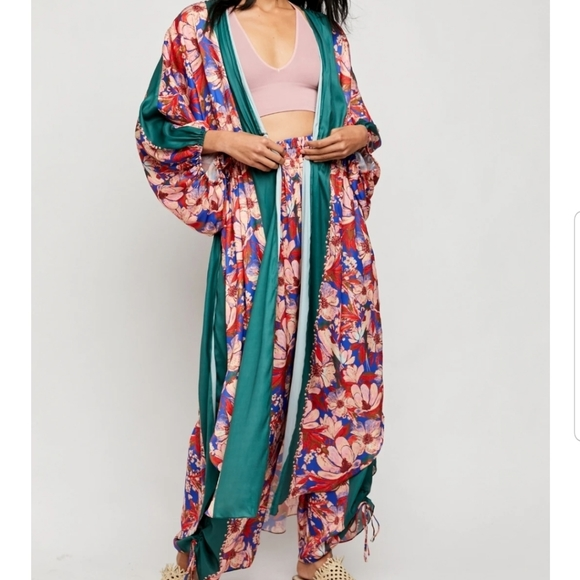 Free People Jackets & Blazers - New $128 In Bloom Kimono by Free People